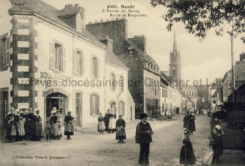 Scaër. L'entrée du bourg, route de Rosporden