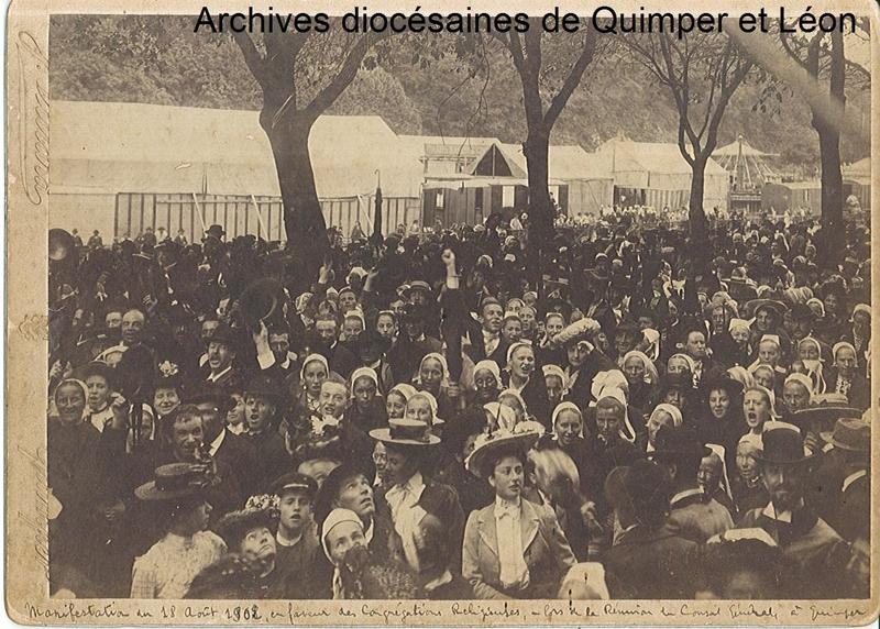 Manifestation à Quimper en faveur des congrégations religieuses