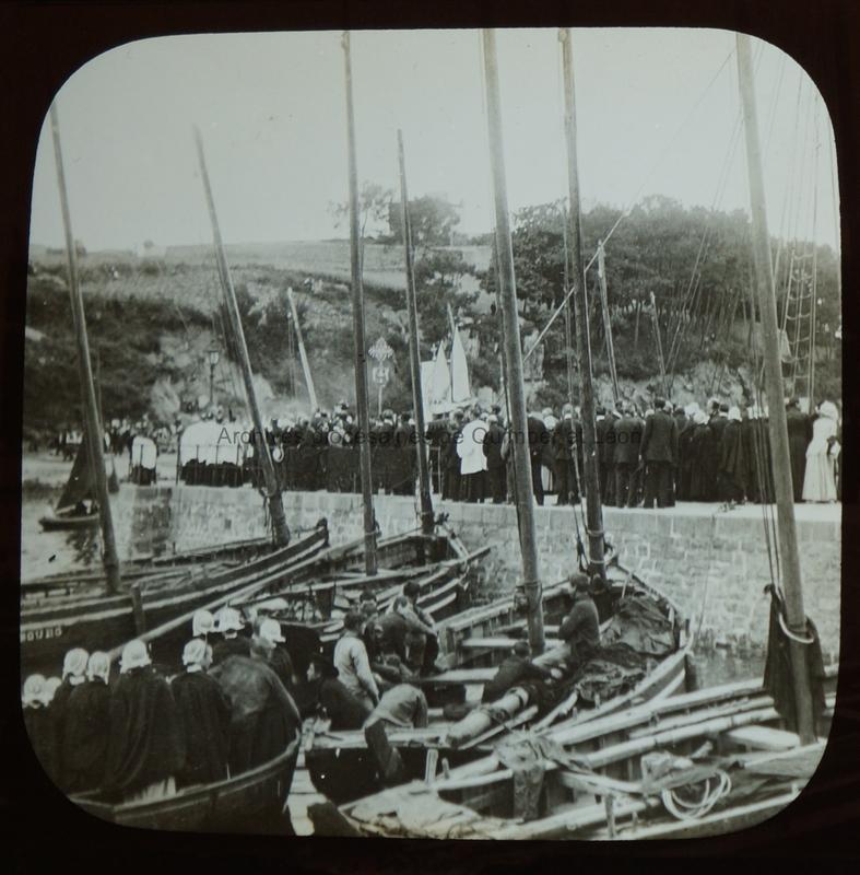 Douarnenez. Bénédiction de la mer à Port-Rhu