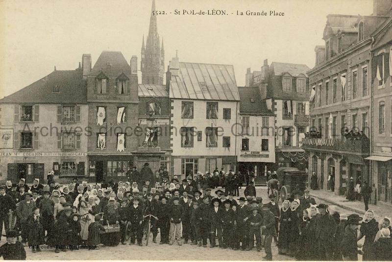 Saint-Pol de Léon. La Grande Place