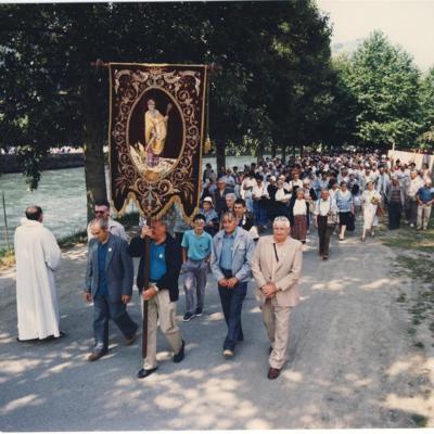 4Y743_001 Lourdes 1987_GF.jpg