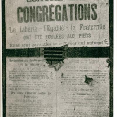 Affiche à l'occasion de la fermeture des écoles congrégationnistes